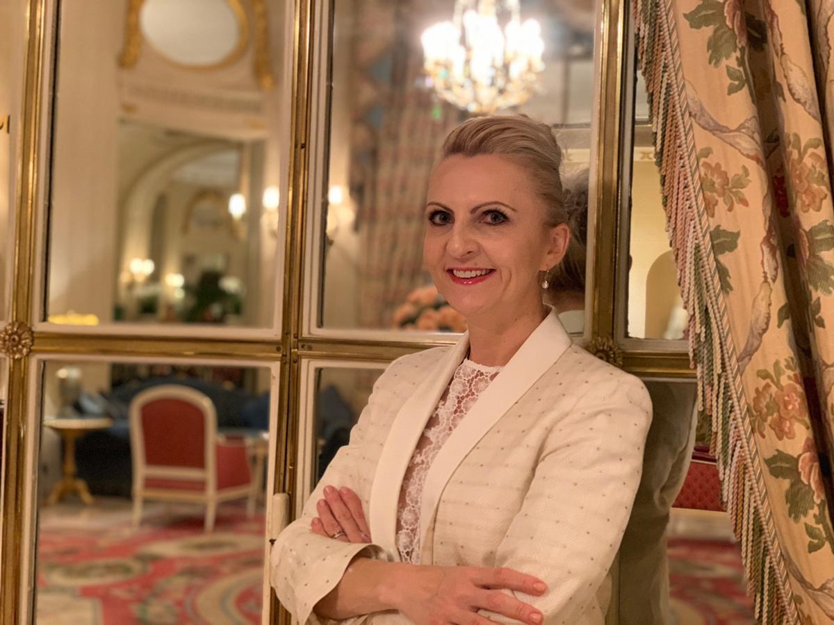Dr Katarzyna Mackenzie
